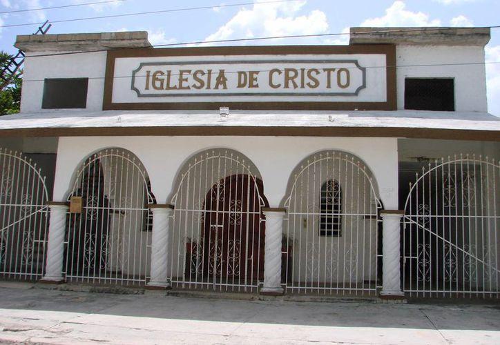 De acuerdo a un censo que han realizado, en el municipio de Felipe Carrillo Puerto existen cerca de cien templos y congregaciones religiosas. (Manuel Salazar/SIPSE)