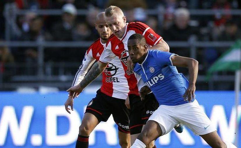 El PSV Enidhoven, equipo holandés en el que militan los mexicanos Andrés Guardado y Héctor Moreno, derrotó al Feyenoord. (psv.nl)