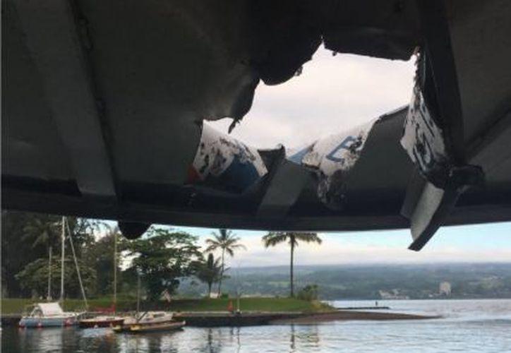El Departamento de Tierras y Recursos Naturales de Hawái señaló que uno de los individuos a bordo sufrió una fractura en una pierna. (Twitter)