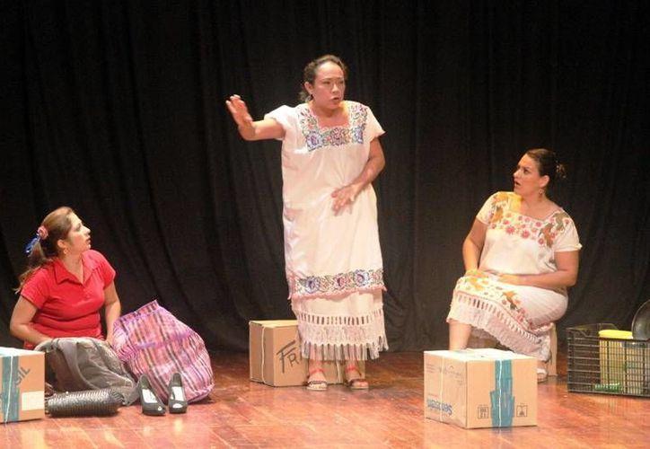 La divertida obra de teatro regional muestra las aventuras de una familia. (Milenio Novedades)