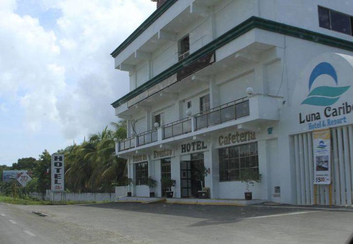 En el sur del estado se estiman alrededor de 140 centros de hospedaje, principalmente en Mahahual y Chetumal. (Ángel Castilla/SIPSE)