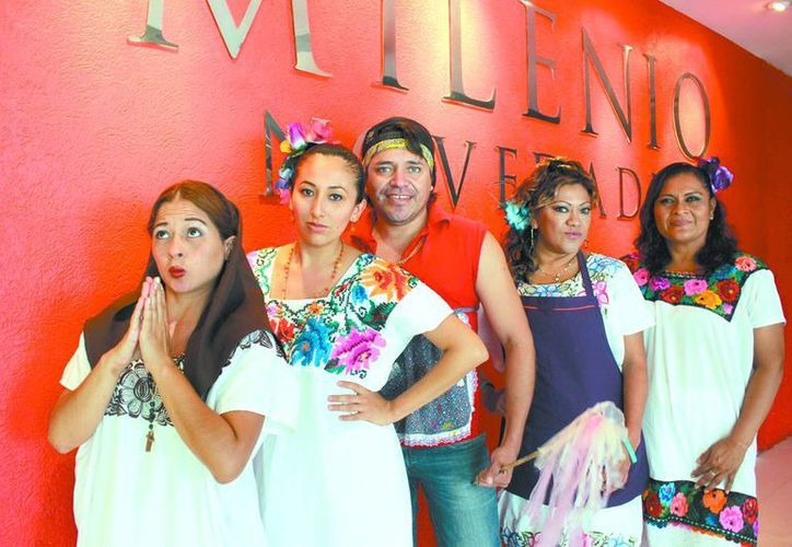 Los actores egresados del ESAY, que presentan en la Casa de la Cultura del Mayab la obra 'Sor X'lucrecia', visitaron Milenio Novedades. (Milenio Novedades)
