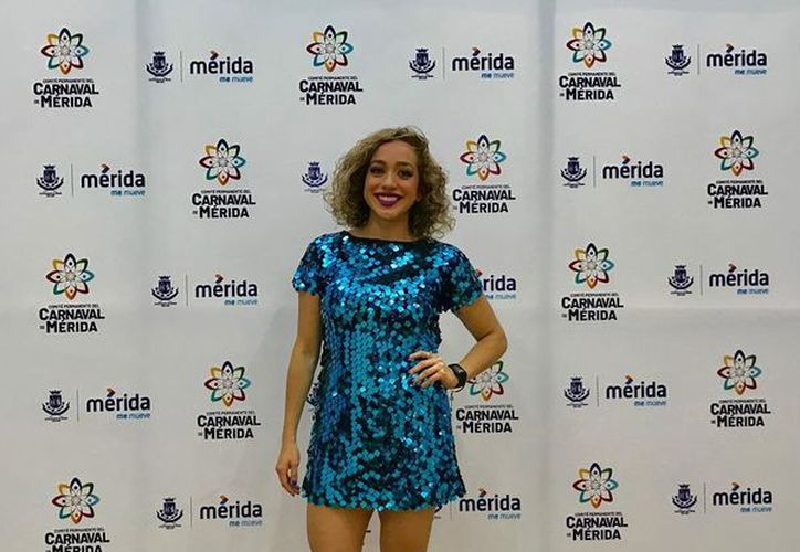 """Entre las aspirantes para reina de Carnaval se encuentra Cinthya Alejandra Huezo Rosado 'Sissy Huezo' quien es locutora del programa """"Back in Time"""" de Kiss 97.7 que se transmite en Grupo Sipse."""