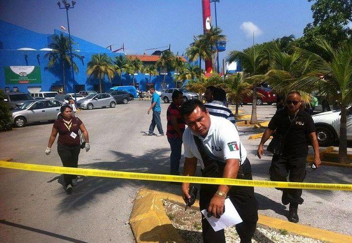 Al lugar llegaron de inmediato los elementos policíacos. (Sergio Orozco/SIPSE)