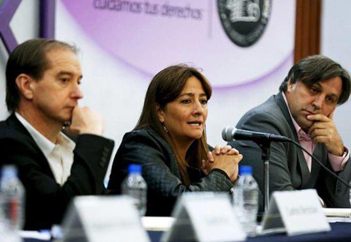Los integrantes del GIEI hablaron en conferencia de prensa sobre el caso Iguala y la investigación de la PGR. (Reuters)