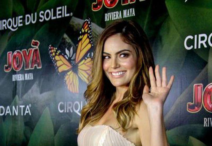 Imagen de la a ex Miss Universo Ximena Navarrete a su llegada al espectáculo de El Cirque Du Soleil en la Riviera Maya. (Notimex)