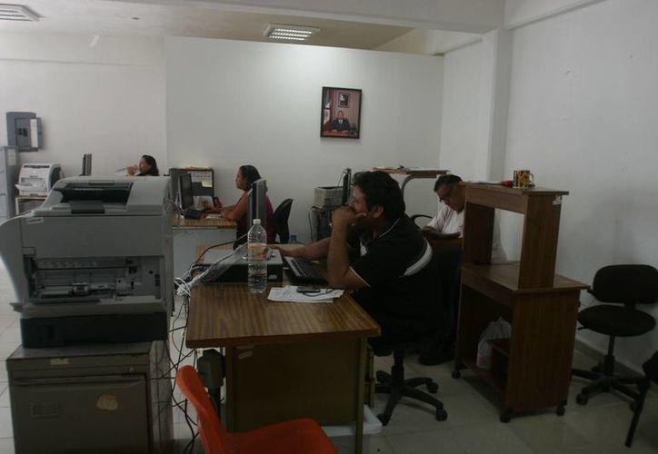 El área jurídica de la administración municipal de Othón P. Blanco, debe enfrentar aún 20 juicios laborales que la gestión anterior les heredó. (Harold Alcocer/SIPSE)
