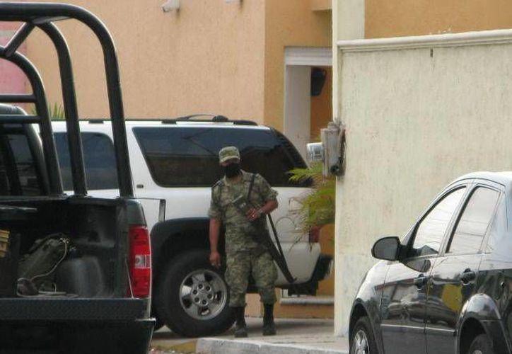 Los militares realizaban labores de reconocimiento cuando fueron agredidos por un comando armado. (Archivo/SIPSE)