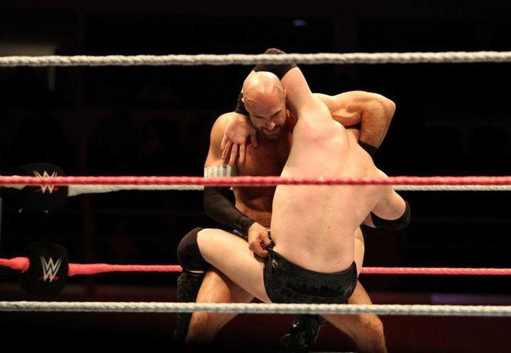 La WWE se presentó con éxito en Mérida, luego de cuatro años de ausencia. (César González/SIPSE)