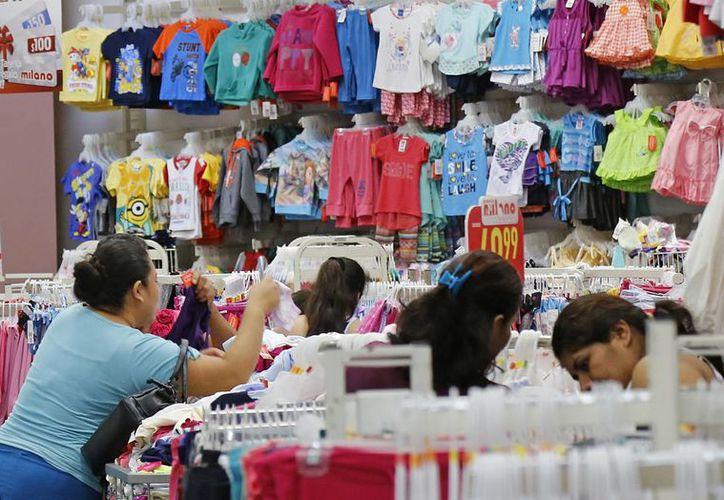 Las tiendas departamentales esperan altas ventas este fin de año. (Jesús Tijerina/SIPSE)