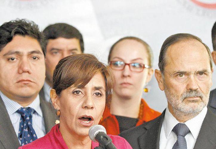Conferencia de prensa de legisladores panistas encabezados por Gustavo Madero para defender a la senadora Luisa María Calderón. (Nelly Salas/Milenio)