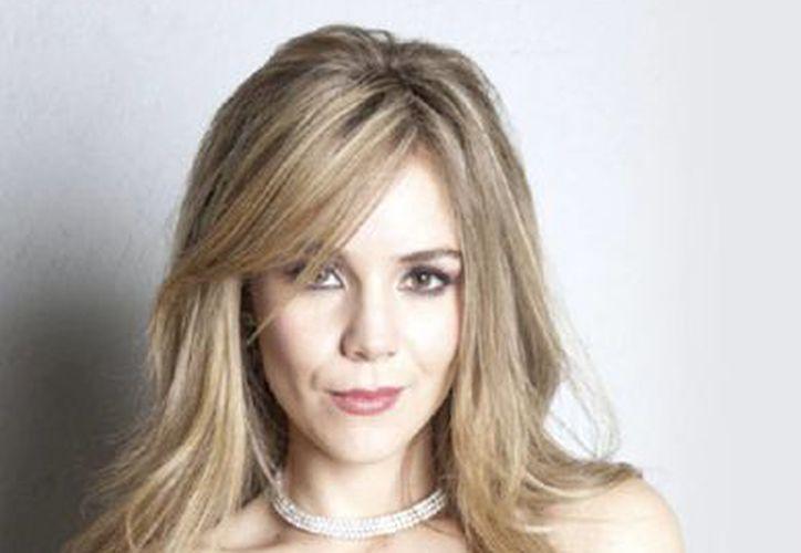 Camila Sodi interpreta a Valentina, en la nueva telesierie 'Señorita Pólvora'. (Agencias)