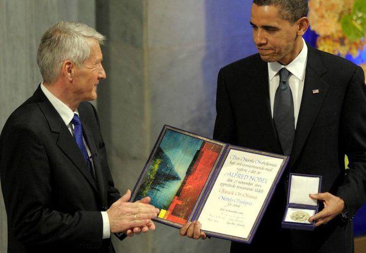 Barack Obama recibió en 2009, en Noruega, el Premio Nobel de la Paz. El reconocimiento causó indignación por las políticas bélicas de Estados Unidos. (Archivo/Agencias)