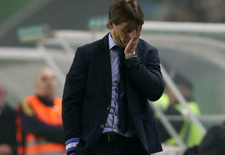El entrenador Julen Lopetegui fue cesado del Porto. En la foto, durante un partido del 2 de enero contra el Sporting de Lisboa. (AP)