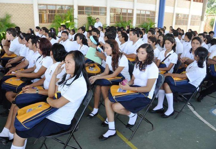 Los estudiantes retrocedieron en aprovechamiento escolar. (Redacción/SIPSE)