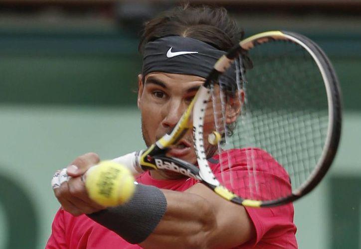 La inflamación de la rodilla izquierda persistió a pesar de que Rafael Nadal está bajo terapia. (Agencias)