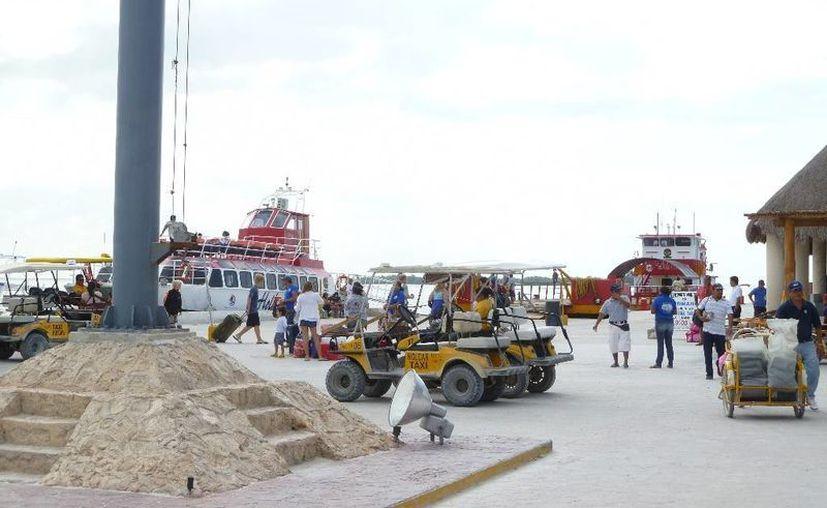 Visitantes abandonan la isla ante la falta de suficientes hoteles. (Raúl Balam/SIPSE)