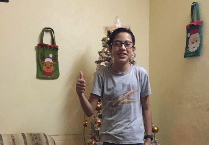 El menor atropellado en enero pasado  continúa en un hospital privado y sus padres solicitan la ayuda de la sociedad yucateca. (Cortesía)