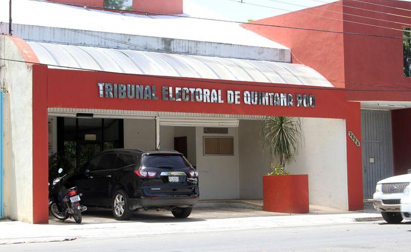 El Ieqroo afirma que para el Trife, las fórmulas que tengan al menos el 3% de los votos, tienen derechos  la figura de plurinominales. (Joel Zamora/SIPSE)