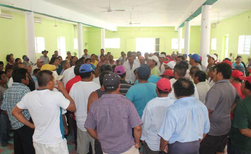 Los campesinos están inconformes por el predio que se ocupó para oficinas. (Gloria Poot/SIPSE)