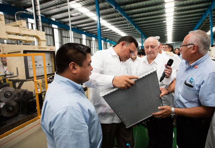 Nueva planta se suma a la industria yucateca del siglo XXI. Se trata de una fábrica de aires acondicionados y estacionarios. (Foto cortesía del Gobierno)