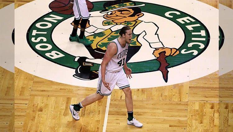 104-117. James pone a los Cavaliers con ventaja sobre los Celtics