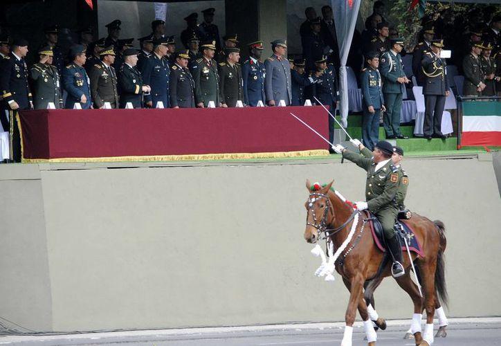 Se destaca que el Ejército es una de las organizaciones de mayor arraigo, representatividad y compromiso social. (Archivo/Notimex)