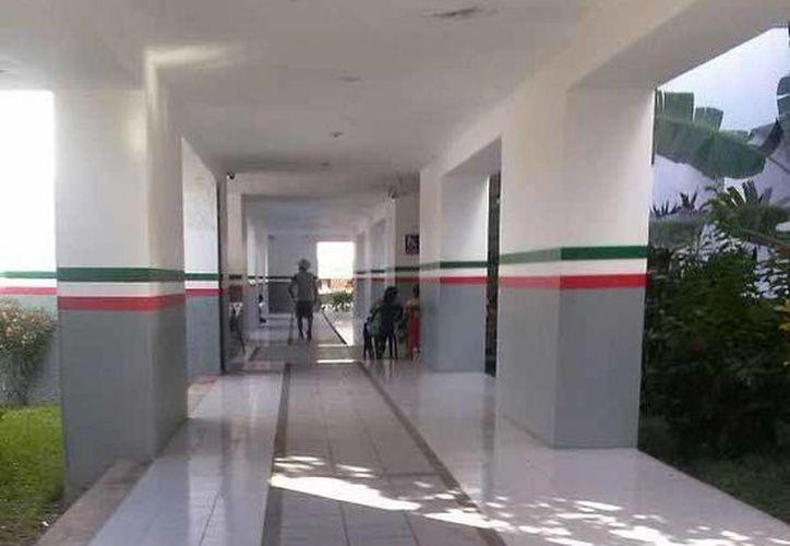 Ejidatarios de Juan Sarabia levantaron el plantón que mantenían a las afueras de la SCT. (Edgardo Rodríguez/SIPSE)