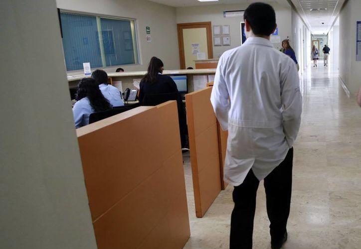 Los médicos suspenderán actividades la próxima semana. (Luis Soto/SIPSE)