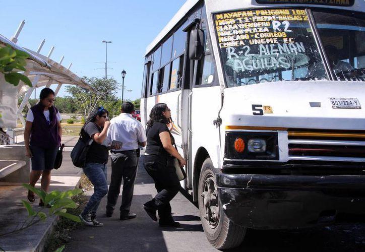 Las unidades ahora cumplen el recorrido hacia al campus. (José Acosta/SIPSE)