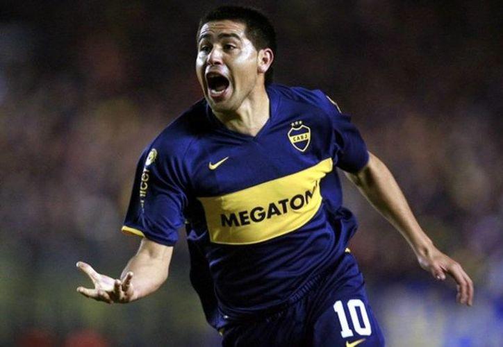 Que el talentoso jugador argentino Juan Román Riquelme jugaría con el Chapecoense fue solo una de muchas mentiras. (Foto tomada de vanguardia.com.mx)