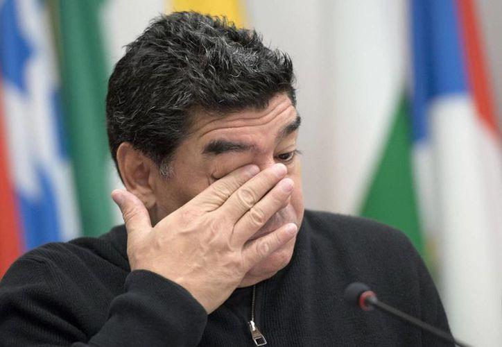 Maradona asegura no poder pisar el suelo italiano sin ser perseguido por el Fisco italiano. (EFE/Archivo)