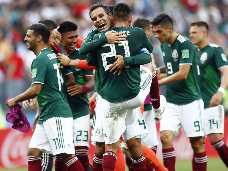 La selección mexicana, que tantas dudas ha creado, liquidó hace unos instantes al vigente campeón del mundo (Foto: AP)