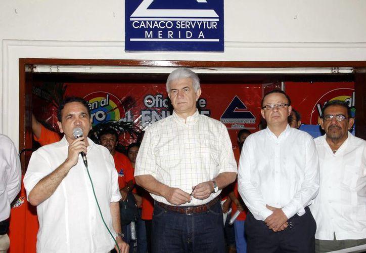 Dirigentes de la Canaco presenciaron el arranque de la campaña. (SIPSE)