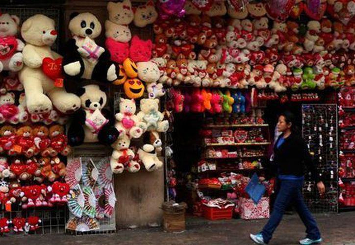 En el marco del próximo Día del Amor y la Amistad se estima que los comercios más beneficiados en este año serán los del Centro Histórico y el Paseo de Montejo. (José Acosta/SIPSE)