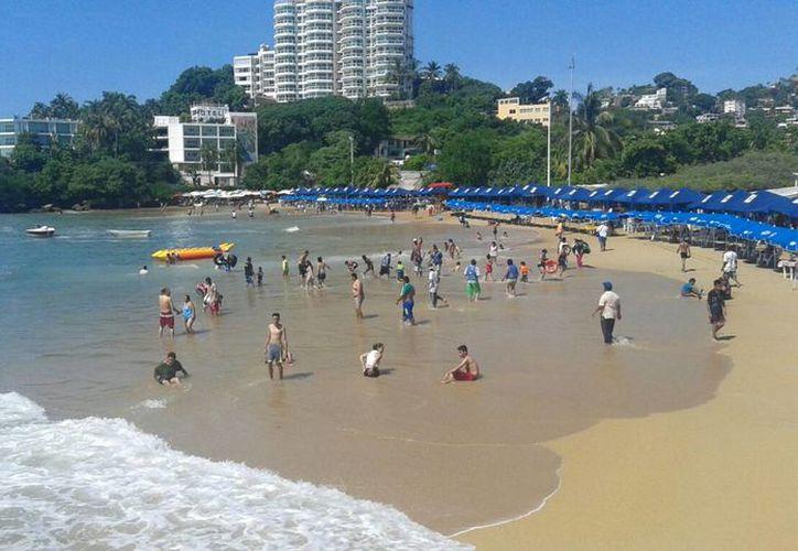 """El fiscal de Guerrero afirma que el turista que llega a Acapulco """"no ve la violencia e inseguridad"""" porque solo en algunas colonias hay más incidencia delictiva. (Archivo/Notimex)"""