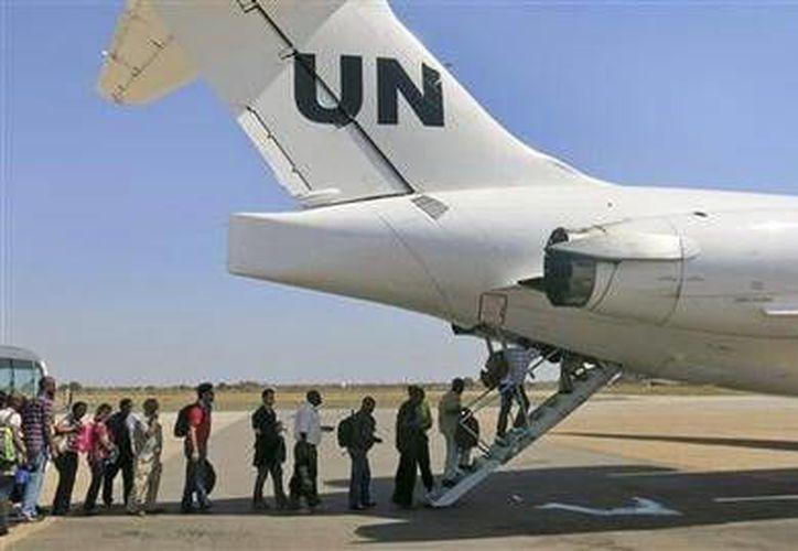El domingo 22 de diciembre pasado la Misión de las Naciones Unidas en Sudán del Sur comenzó a reubicar a parte de su personal desde Juba, Sudán del Sur, para llevarlo a Entebbe, en Uganda. (Foto AP/UNMISS, Irene Scott)