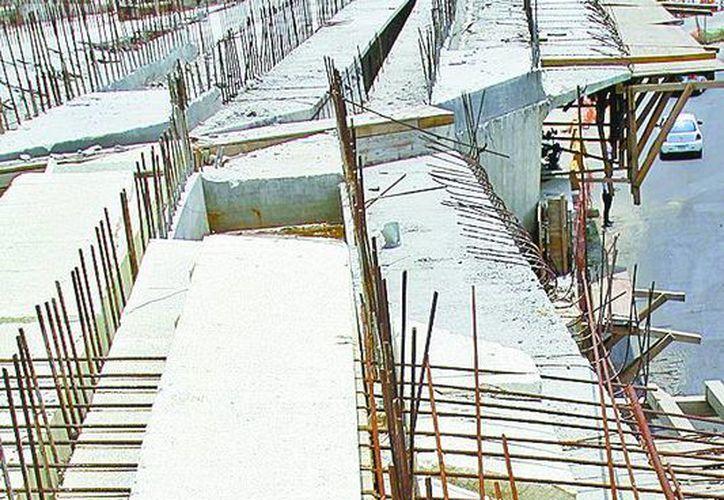 La construcción de carreteras empujó al sector constructor. (Milenio)