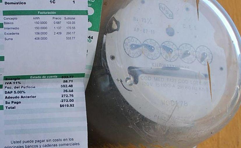 Los 121 mil usuarios del sur del estado consumen un promedio de 60 millones de <i>kilowatts-hora</i> al mes. (Harold Alcocer/SIPSE)