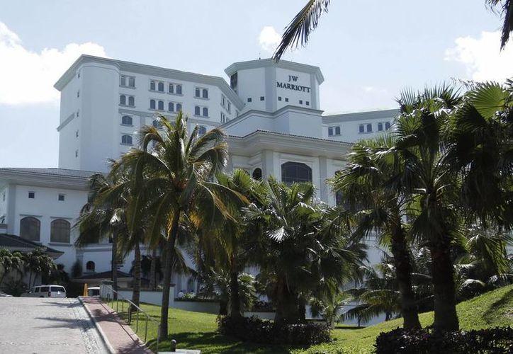 Este es el hotel donde se realiza la primera jornada del Congreso Anual de Ciberseguridad SAS 2015 de la empresa Kaspersky, en Cancún. (EFE)
