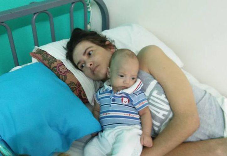 La mujer dio a luz estando en estado de coma. (Facebook)