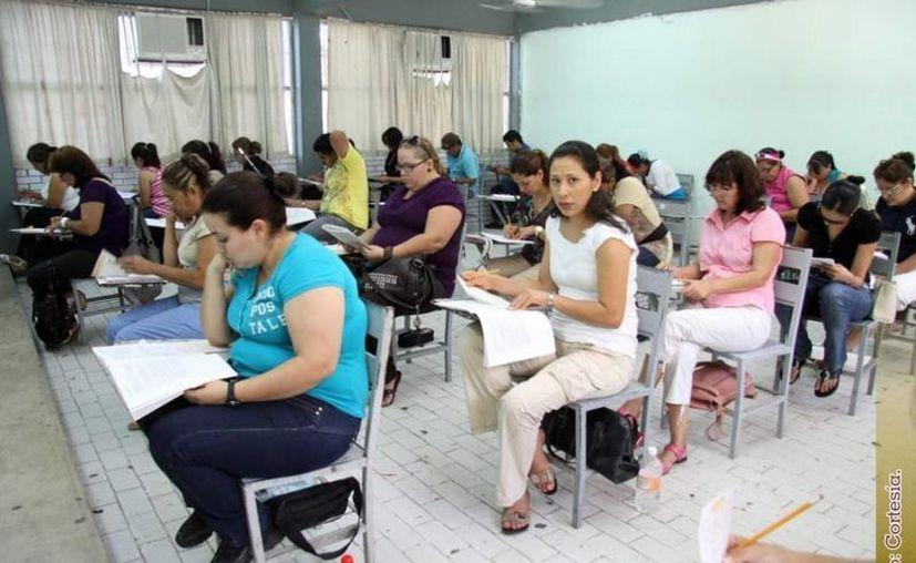 De los 455 docentes que participaron, sólo 241 acreditaron el resultado idóneo para los cargos. (Contexto/Internet)