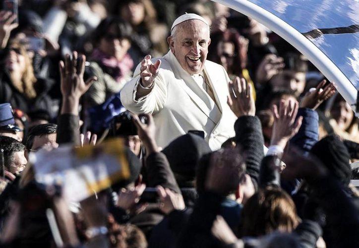 El Papa Francisco declaró que lleva en el alma  la música de autores e intérpretes como Astor Piazzolla, Osvaldo Pugliese y Anibal Troilo. (Archivo/EFE)