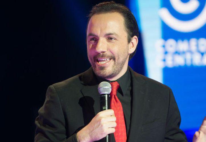 En su debut cómico, Curiel ganó el primer Festival de stand up comedy de Café 22. (Foto: Contexto/Internet)