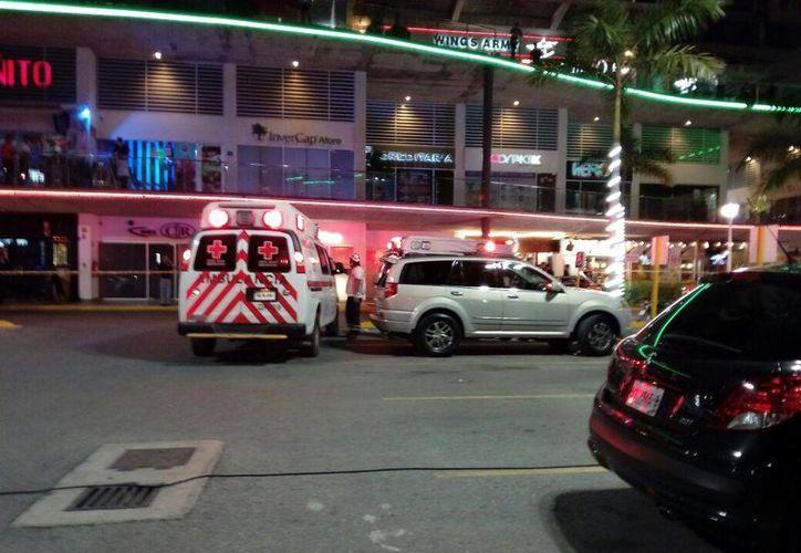 El ataque se registró en uno de los negocios de Plaza Solare. (Redacción)