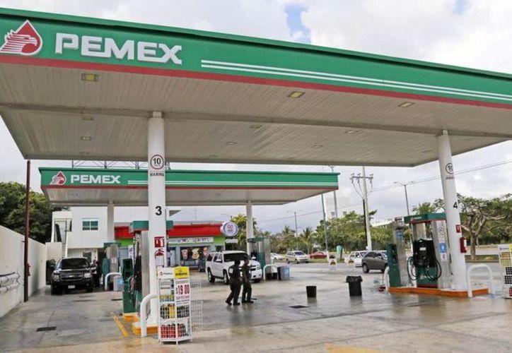 El precio de la gasolina Premium en la entidad se mantuvo en 19.89 pesos. (Archivo/Sipse)