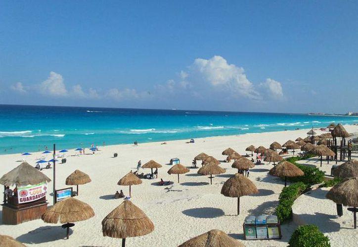 Un predio aledaño de playa Delfines fue concesionado para usarse con un fin comercial. (www.viajesacancun.com.mx)