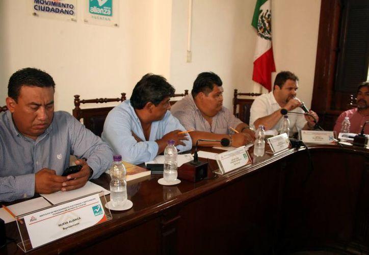 La sesión del Ipepac subió de tono entre Milagros Romero del Movimiento Ciudadano y  Marcel Gómez del PAN. (Milenio Novedades)