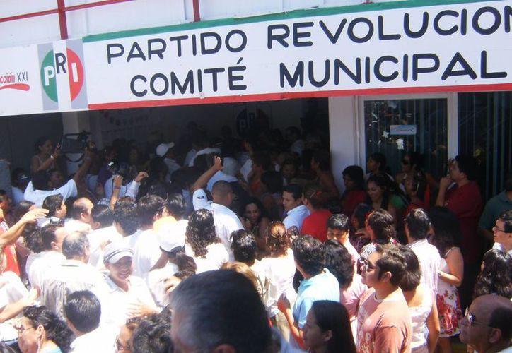 De acuerdo con datos del PRI, en octubre pasado el partido contaba con 90 mil militantes en todo el Estado y 10 mil en Solidaridad. (Redacción/SIPSE)