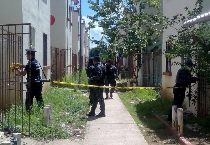 Elementos de Gendarmería lograron rescatar a la persona. (Eric Galindo/SIPSE)